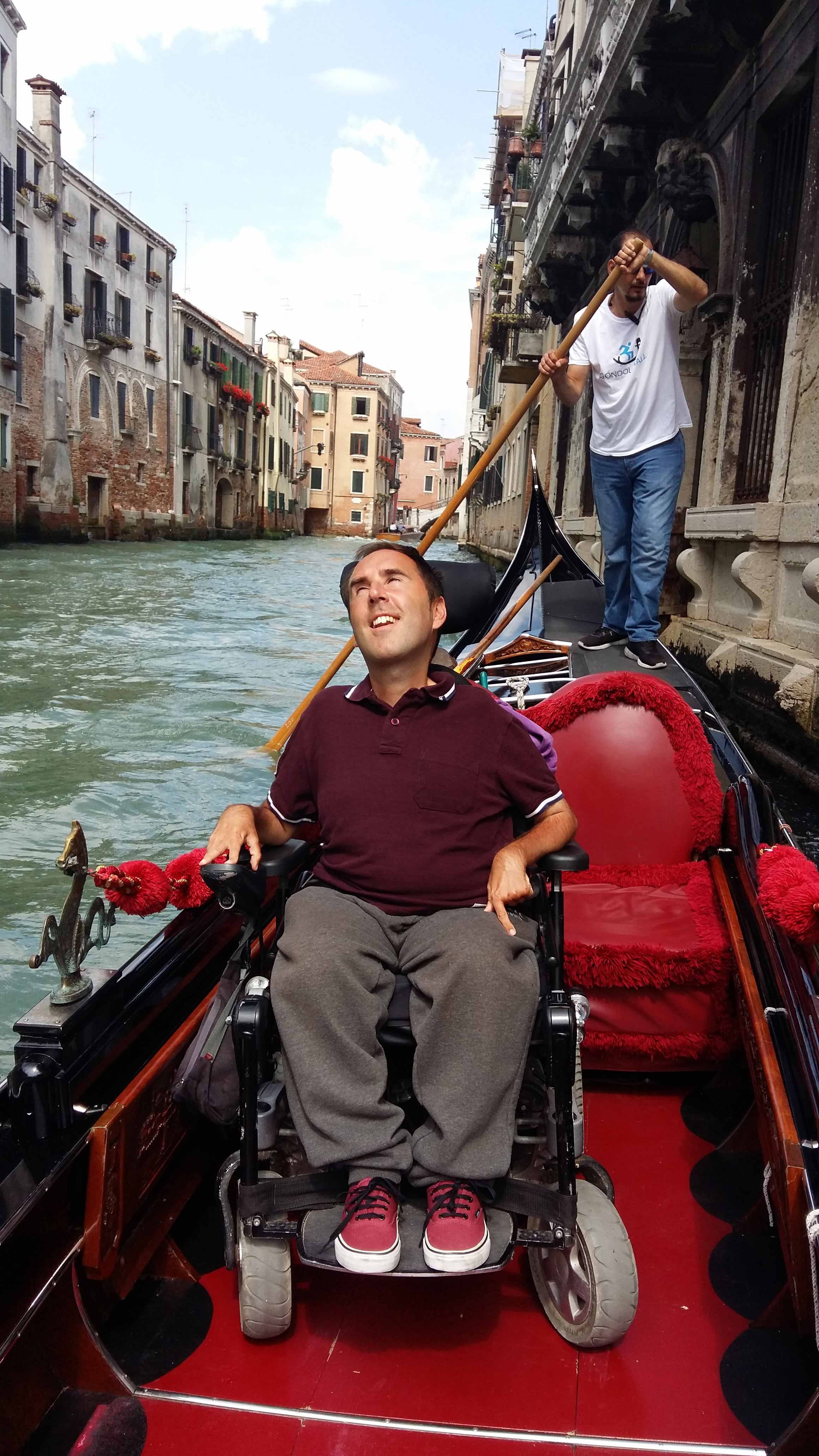 Accessible-Gondola-in-Venice